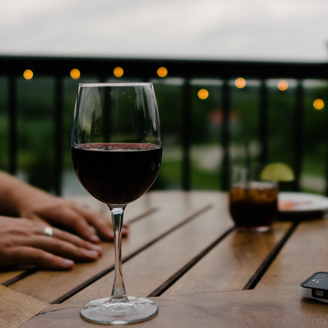 20health benefits of drinking wine 5 health benefits of drinking wine cathryne keller published 11:00 pm ct oct  19, 2014 | updated 11:01 pm ct oct 19, 2014 apc f ff fit benefits of wine.